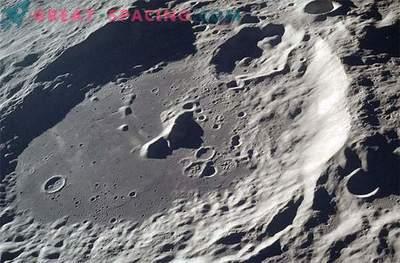 Geheimnisse massereicher Formationen auf der Mondgravitationskarte