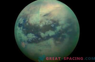 Titan erschien in neuen Cassini-Bildern.