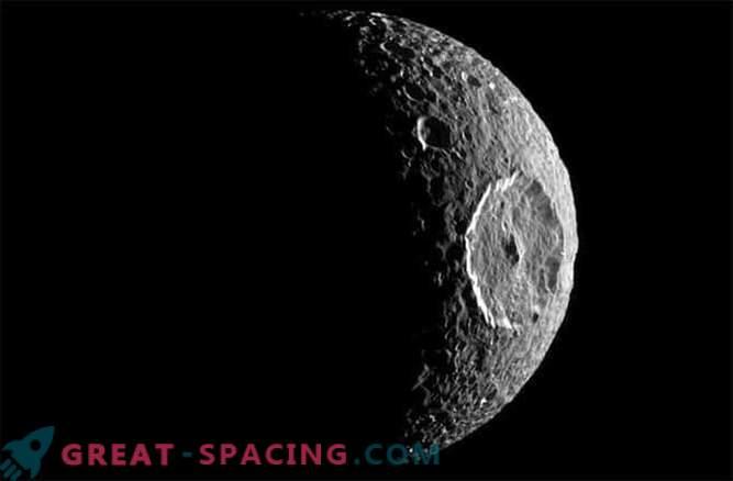 Warum werden Krater auf den Saturnmonden gelöscht?
