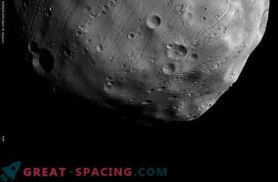 Das Raumschiff näherte sich mit Phobos der nächsten Annäherung.
