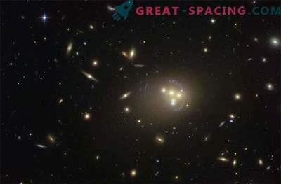 Dunkle Materie kann mit sich selbst interagieren
