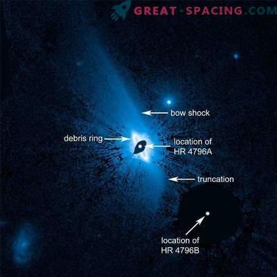 Das Skalensystem aus staubigem Material um den Stern HR 4796A