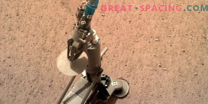Ein Maulwurf erschien auf dem Mars: Die InSight-Mission bereitet sich auf das Bohren vor.