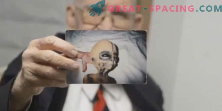 Boyd Bushman versichert, dass dies Fotos einer außerirdischen Kreatur sind.