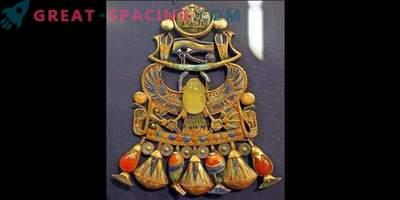 Ägyptische Dekoration mit einem Stück Meteoriten: Wie gefährlich sind Explosionen in der Erdatmosphäre?
