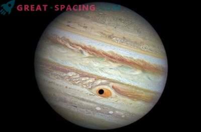 Der Jupitersatellit verdeckte den Großen Roten Fleck