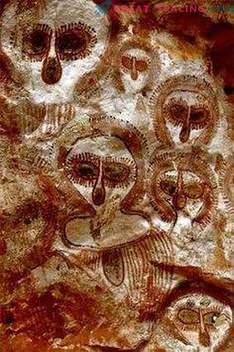 10 ungewöhnliche Felsbilder, die auf außerirdische Wesen hinweisen. Laut Ufologen
