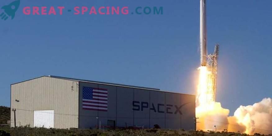SpaceX liefert festliches Eis an die ISS