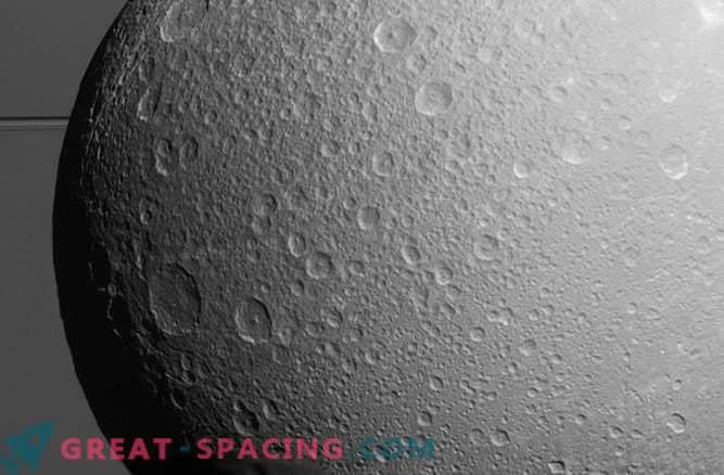 Ein anderer Saturnmond kann den unterirdischen Ozean verstecken.