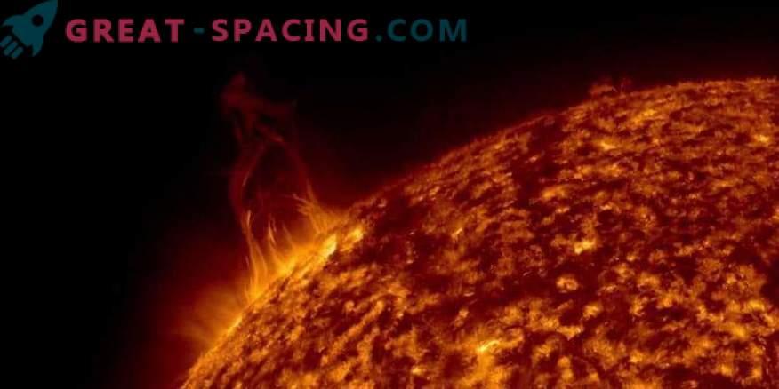 Sonneneruptionen treffen die Erde