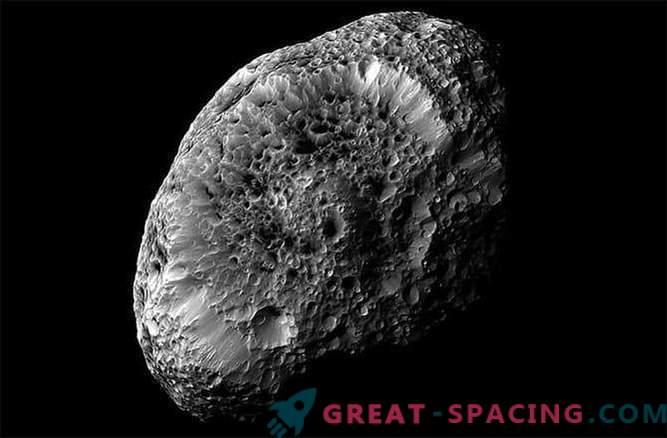 Cassinis Sonde erhält das letzte Foto von Saturns seltsamem schwammigem Satelliten