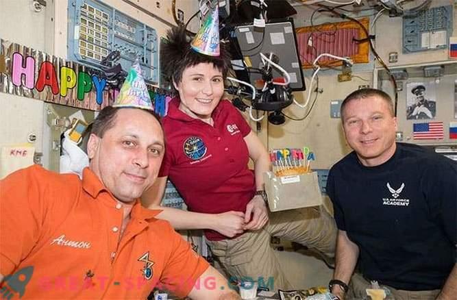 Die ISS-Besatzung bleibt in der Umlaufbahn, bis die Russen eine Rakete entdecken.