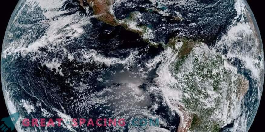 Atemberaubende Aussicht auf den Planeten von einem neuen meteorologischen Satelliten