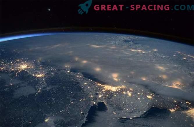 Astronauten haben atemberaubende Ausblicke auf den Schneesturm an der Ostküste der USA aufgenommen.