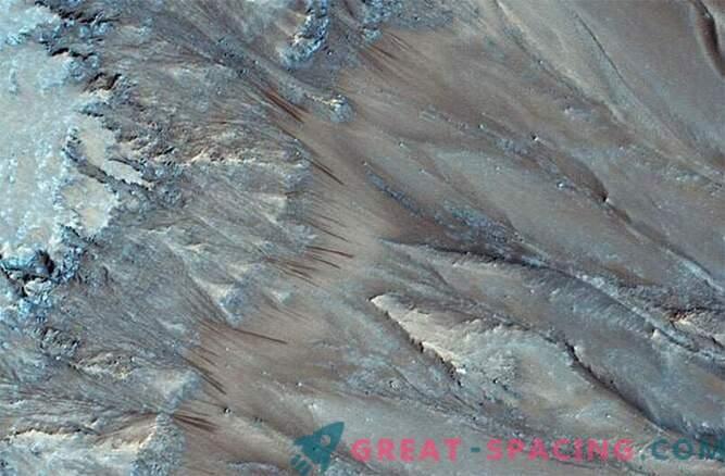 Geheimnis gelüftet: Es gibt flüssiges Wasser auf dem Mars